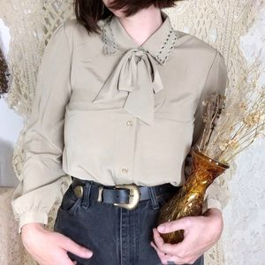 Vintage | tan button down blouse with bow